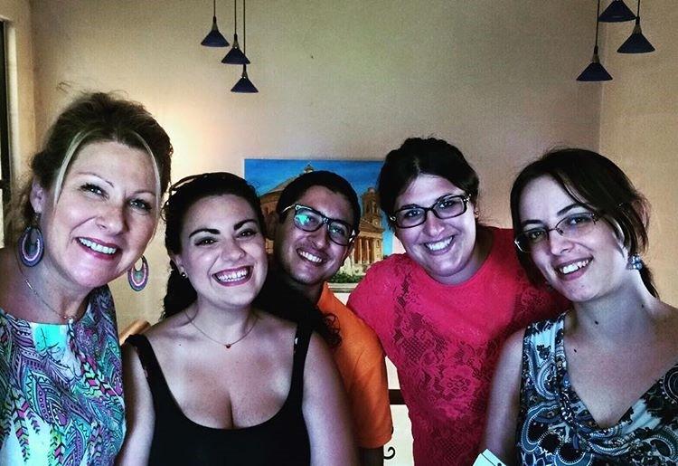 equipe de inglês nativo e professora escola de inglês em Malta Intercambio Gateway School of English GSE